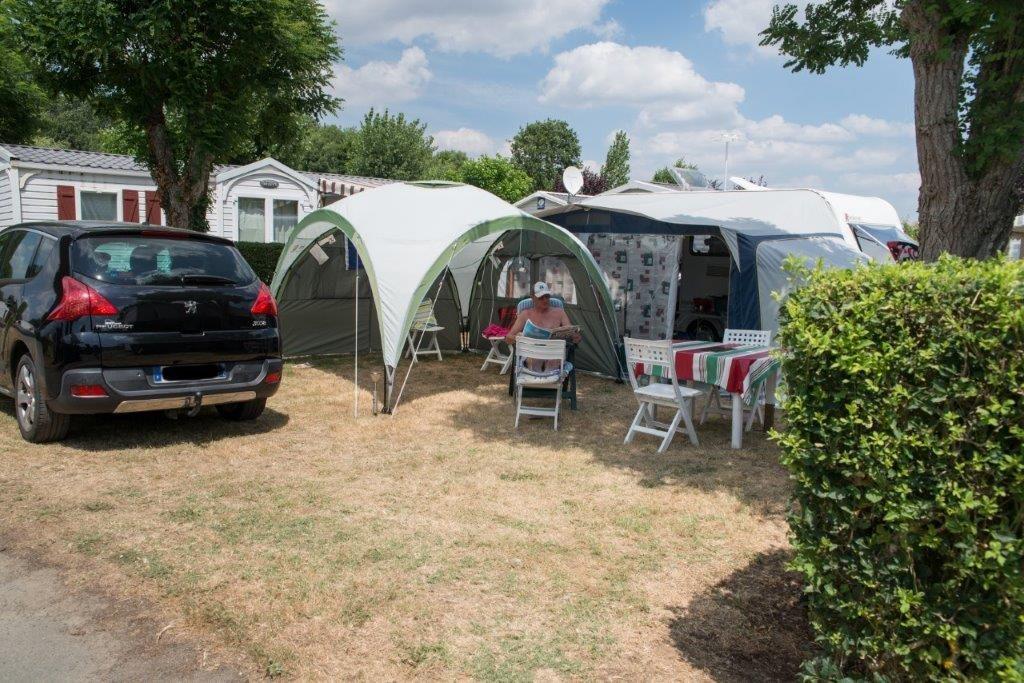 camping 5* les Chouans - caravane