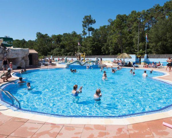 la piscine du camping 5* les Chouans Vendée