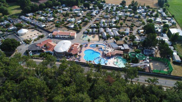 vue aérienne du camping 5* les Chouans